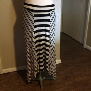 Bobeau Black and White Striped Stretchy Maxi Skirt